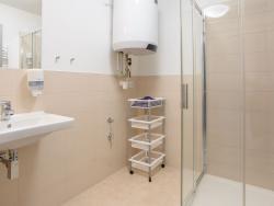29 GIA clinic - koupelna zázemí pro klienty